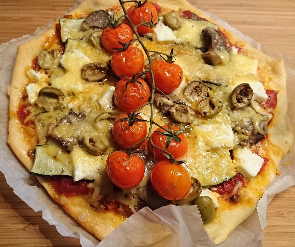 Pizza bakken op houtvuur venturix outdoor for Pizza bakken op tafel